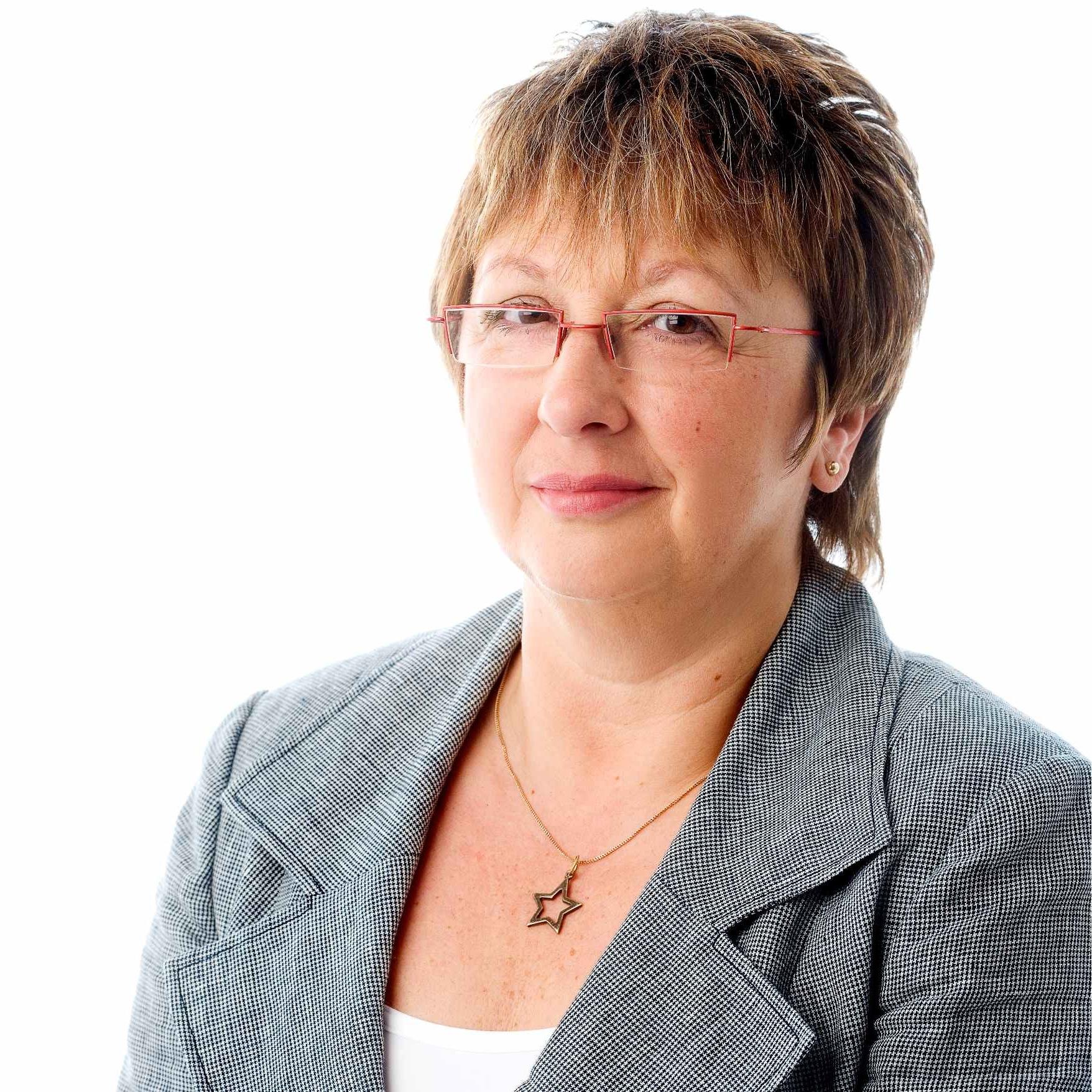 Ruth Foreman net worth salary