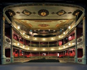 Stage is set for Bristol Old Vic's business club to raise £400,000
