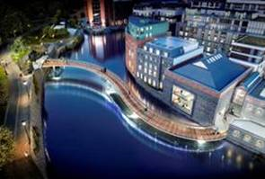 New bridge to take shape next week and open up city's new Finzels Reach quarter